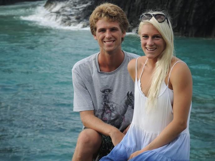 Tatiana ao lado do namorado, o surfista brasileiro Jessé Mendes (Foto: David Abramvezt)