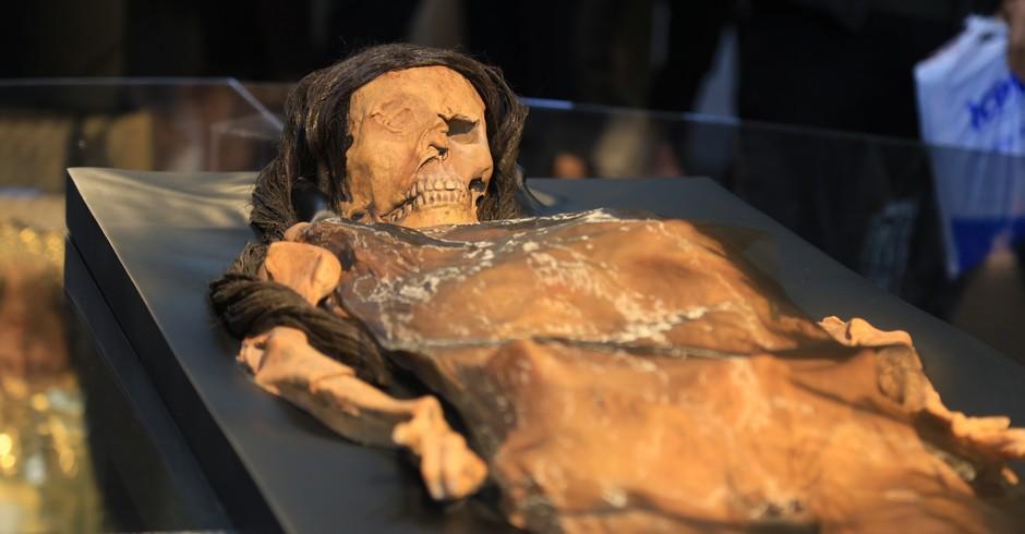 Réplica da múmia da Senhora de Cao, exposta em museu no Peru (Foto: Divulgação/ Flickr/ Ministerio de Cultura Perú)