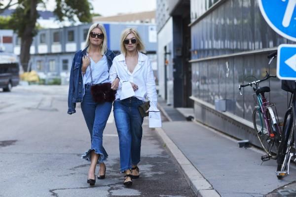 Aposente o skinny e aposte em outras modelagens de jeans (Foto: Imaxtree)