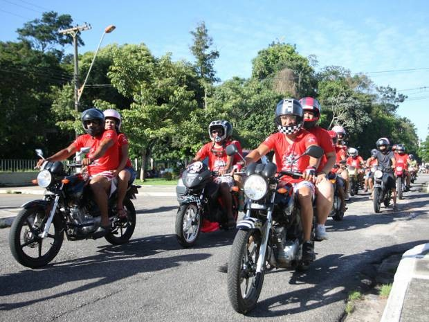 2012 Moto Passeio Namorados Belém Pará (Foto: Henrique Felício/O Liberal)