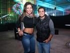 Thammy Miranda aparece barbudo ao curtir festival em São Paulo