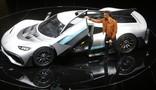 1.000 CV: Hamilton mostra hipercarro da Mercedes
