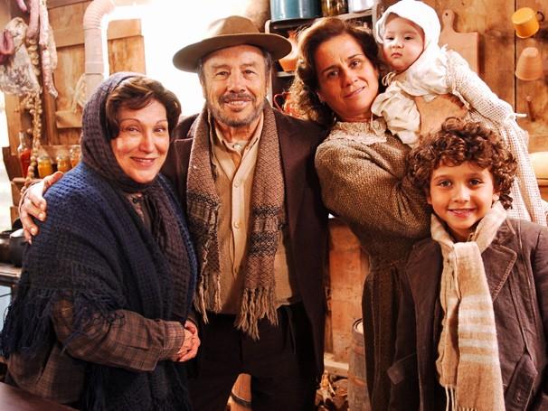 Nicette Bruno interpretou uma mulher misteriosa que cuidava das ovelhas (Foto: TV GLOBO / João Miguel Júnior)