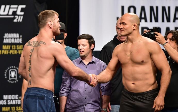Stipe Miocic, Junior Cigano, UFC 211, pesagem, encarada (Foto: Jason Silva)