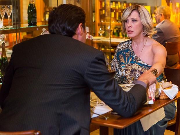 Samantha fica chocada com o novo plano de Marcos (Foto: Artur Meninea/Gshow)