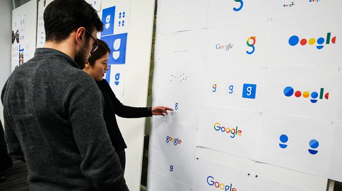 Equipe de designers trabalhando no novo logo do Google (Foto: Divulgação/Google)