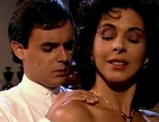 Betty e Cássio Gabus Mendes em cena de Tieta, exibida em 1989 (Foto: Arquivo/ Rede Globo)