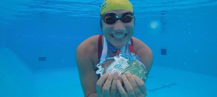 euatleta olimpico por esporte natação mayra (Foto: Arquivo pessoal)