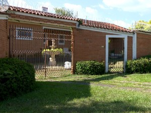 Casa de professor aposentado assassinado em Mogi Mirim, SP (Foto: Reprodução / EPTV)