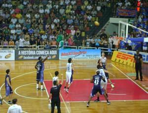 Bauru x São José - Paulista de basquete (Foto: Alan Schneider/Globoesporte.com)