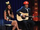 De bigode, Selena Gomez participa de programa como princesa Peach