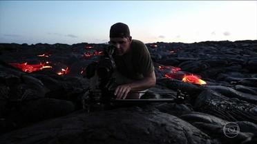 João Paulo visita um vulcão ativo no Domingão Aventura