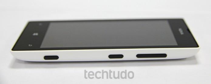 O Nokia Lumia 520 tem apenas três botões físicos (Foto: Marlon Câmara/TechTudo)