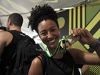Famosos acordam cedo para participar de corrida de rua no Rio