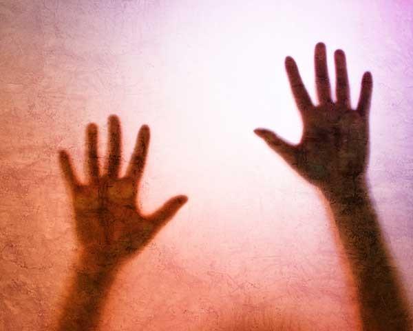 A violência segue contra a mulher (Foto: Think Stock)