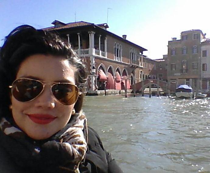 Mariana faz selfie em Veneza (Foto: Arquivo Pessoal)
