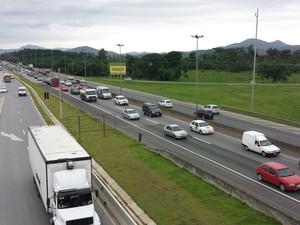 Movimento na BR-101 em Itajaí (Foto: Luiz Souza/RBS TV)