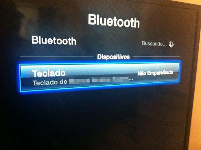 Pareando um teclado Bluetooth com uma Apple TV (Foto: Marvin Costa/TechTudo)
