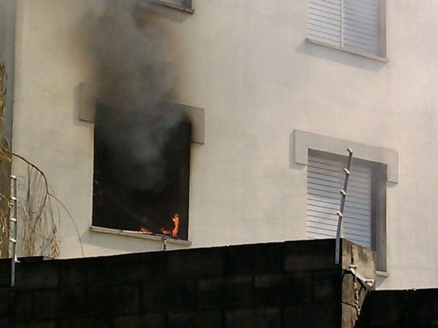 b6e48b636 Incêndio atinge apartamento no Nova América, em Piracicaba; veja o vídeo