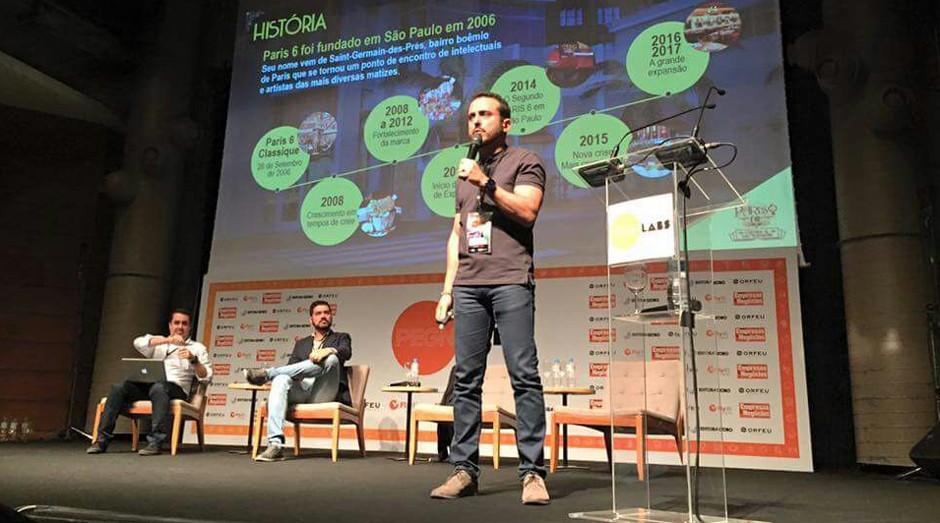 De pé, Isaac Azar, do Paris 6. Sentados, Fabiano Candido, de PEGN, e o consultor Cristiano Santos (Foto: Adriano Lira)