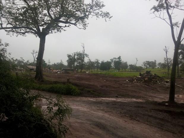Reintegração de posse da Fazenda Santa Maria, em Santa Terezinha de Itaipu (PR) foi concluída no início da tarde desta sexta-feira (20) (Foto: PM / Divulgação)