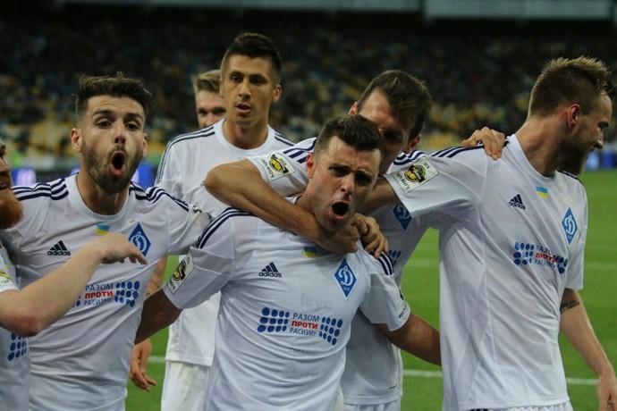 Junior Moraes comemora gol pelo Dinamo Kiev (Foto: Divulgação BEST Comunicação & Marketing)