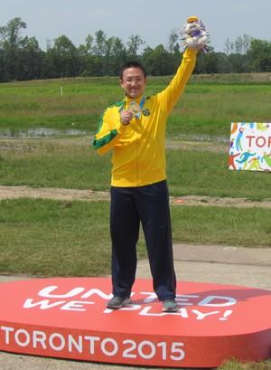 Felipe Wu pódio medalha de ouro (Foto: Divulgação)