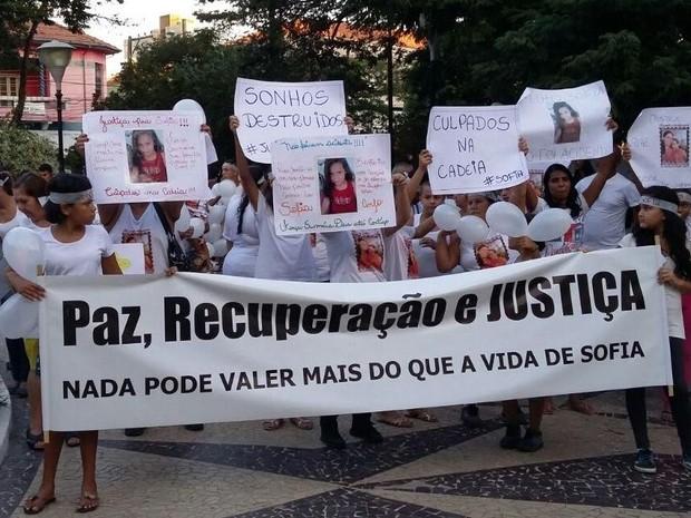 Protesto pela morte de Sofia Marcelo Godói em Pindamonhangaba (Foto: Camilla Lucci/TV Vanguarda)