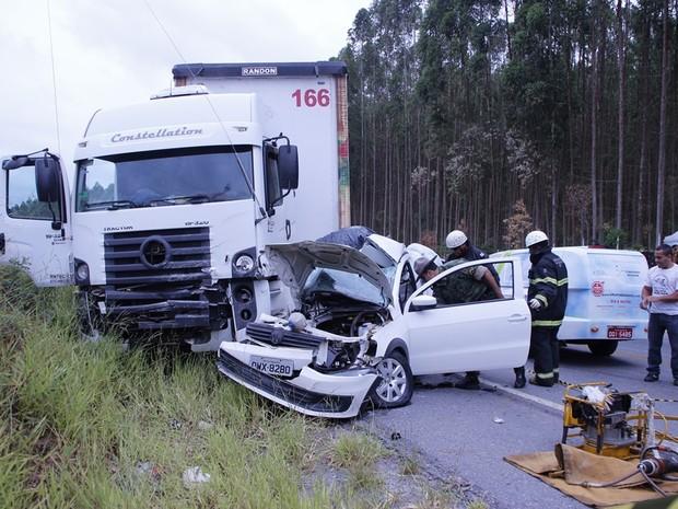 acidente sao joao del rei (Foto: Maria Cecília / Jornal Barroso EM DIA)