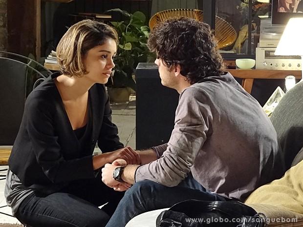 Amora e Bento fazem as pazes, finalmente! (Foto: Sangue Bom/TV Globo)