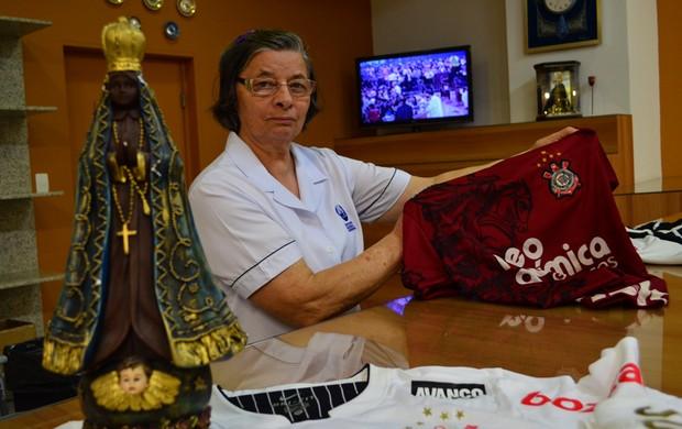 Milagres de Aparecida - camisa Corinthians (Foto: Danilo Sardinha/Globoesporte.com)