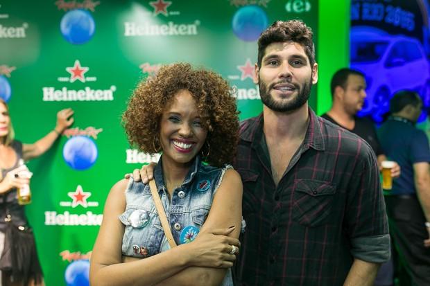 Isabel Filardis e Dudu Azevedo em camarote no Rock in Rio (Foto:  Bruno Ryfer/Trezze Imagens)