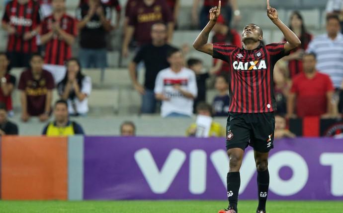 marcelo Atlético-PR x vitoria (Foto: Getty Images)