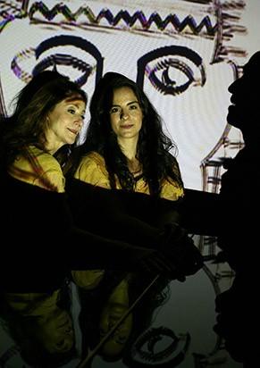 Mariana Terra e Ana Botafogo em cena (Foto: Jackeline Nigri)
