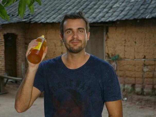 Associação melhora condições de produção de mel e transforma a vida de 35 famílias em Nova Olinda (Foto: Reprodução de TV)