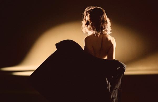 Lily James (Foto: Mario Testino)