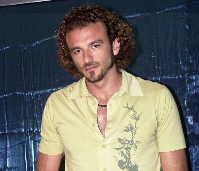 Serginho é um cabelereiro franco-angolano (Foto: TV Globo)