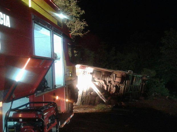 Acidente em Ipuaçu aconteceu no fim da noite de quinta (2) (Foto: Corpo de Bombeiros/Divulgação)
