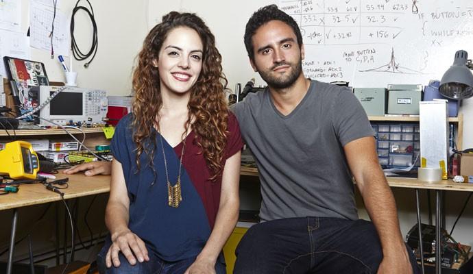 Os irmãos Daniela e Jorge Perdomo, fundadores da goTenna, que fabrica antenas para troca de mensagens mesmo sem sinal de celular.