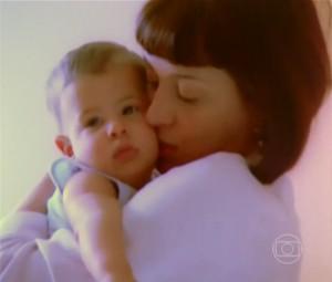 Enzo Celulari no colo da mamãe Claudia Raia (Foto: Vídeo Show/TV Globo)