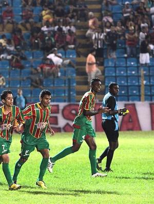 Sampaio quer melhor sorte no segundo turno (Foto: Douglas Junior/O Estado)