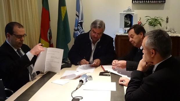 Grêmio Odone condomínio credores (Foto: Tomás Hammes / GLOBOESPORTE.COM)