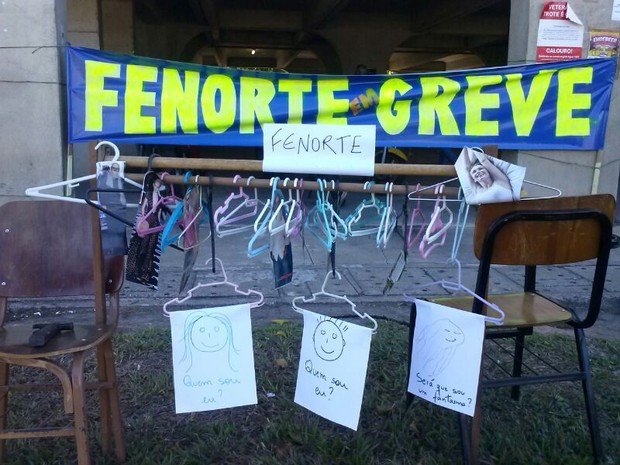 Servidores da Fenorte em greve (Foto: Cléber Rodrigues/InterTv Planície)