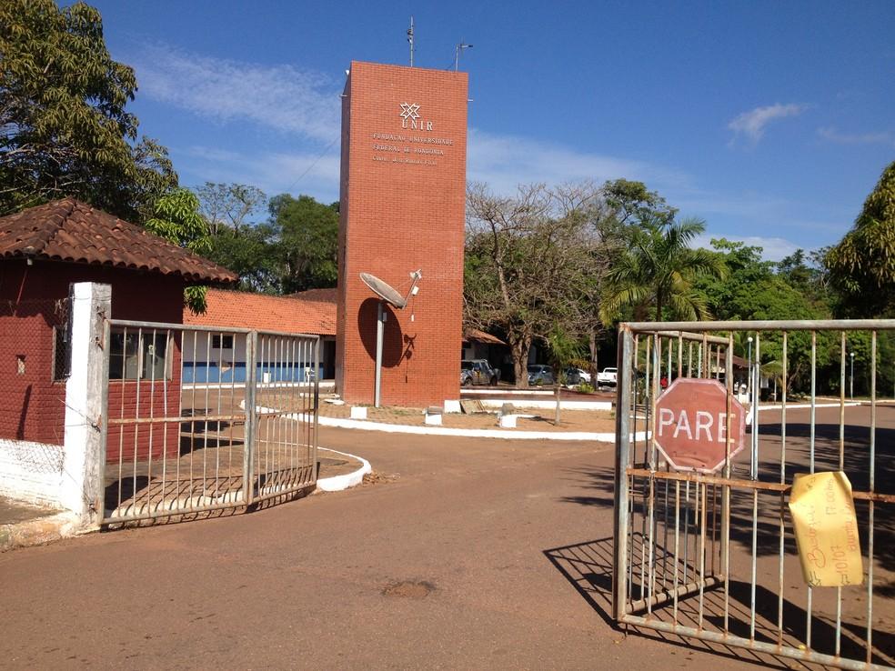 Plantão de atendimento será realizado na Unir campus, na BR-364, em Porto Velho (Foto: Gaia Quiquiô)