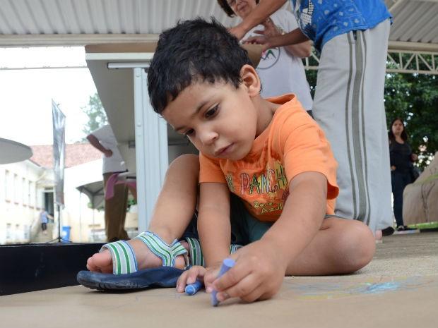 Evento envolve pessoas de todas as idades que se conectam a espaços ao ar livre (Foto: Emerson Ferraz)