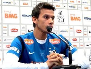 Henrique na coletiva do Santos (Foto: Marcelo Hazan / Globoesporte.com)