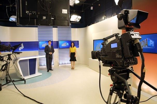 Bom Dia Piauí estreia cenário amplo, moderno e com tecnologia de ponta (Foto: Katylenin França/TV Clube)