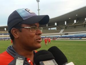 Jean Carlos, treinador do CRB Sub-20 (Foto: Augusto Oliveira / GloboEsporte.com)