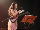 Cidades da região oeste recebem o show da cantora Ana Paula da Silva