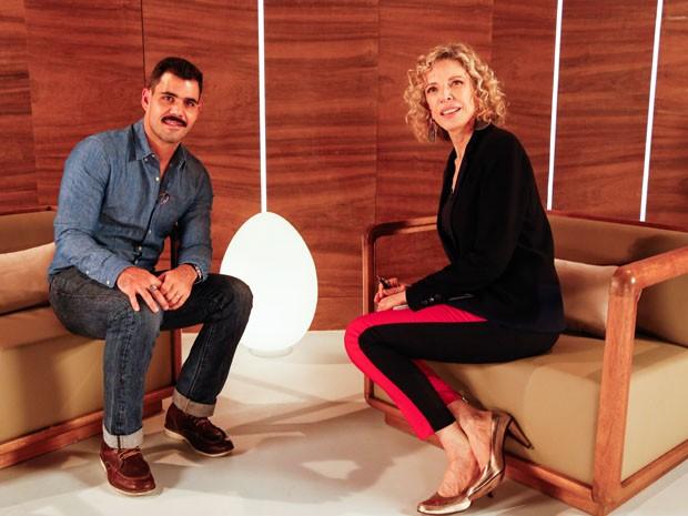 Marlia Gabriela entrevista o ator Juliano Cazarr (Foto: Marcelo Tabach/ VIVA)